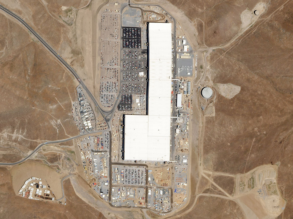 - teslagigafactoryw1000 - Tesla Accuses Insider of Stealing Gigabytes of Data